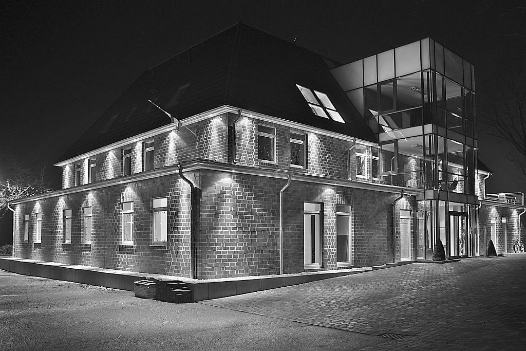 Foto-Ihr-Wohlfuehl-Haus1.0-Issum-grau-1024x683
